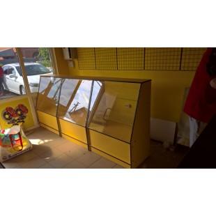 Стойка администратора yellow submarine