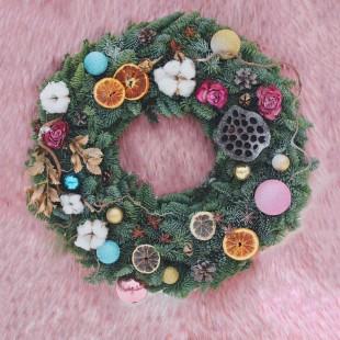 Венок декоративный из лапника Santa